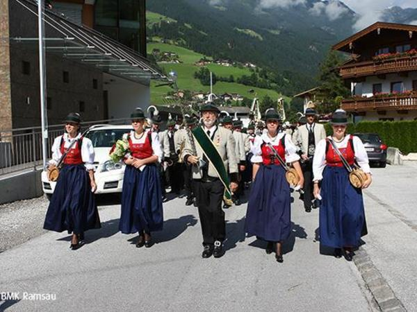 Open-air concert by the Ramsau brass band