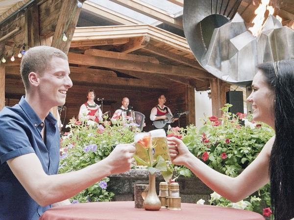 Live Musik im Berghof Gastgarten