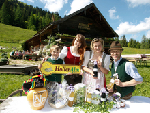 Organic Fair Holleralm breakfast buffet on the Mayerlehenhüttte / Hintersee