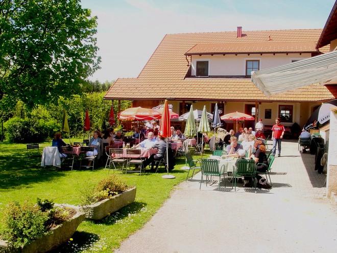 Gasthaus Wirth z' Hareth