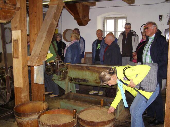 Betriebsführung in der Mühlviertler Ölmühle