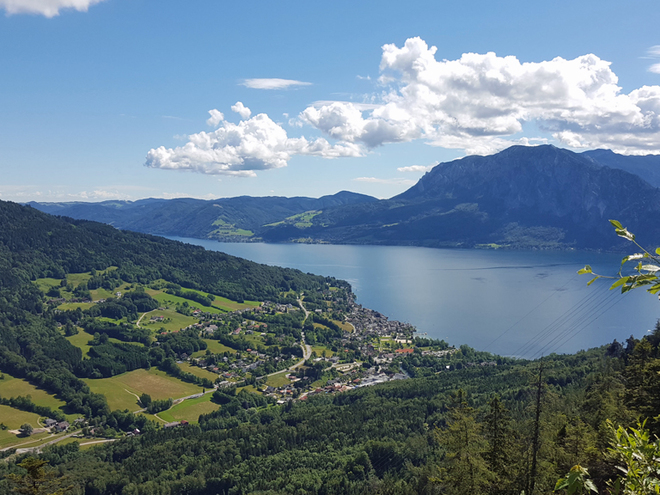 Up – down – around' - Hiking on Lake Attersee