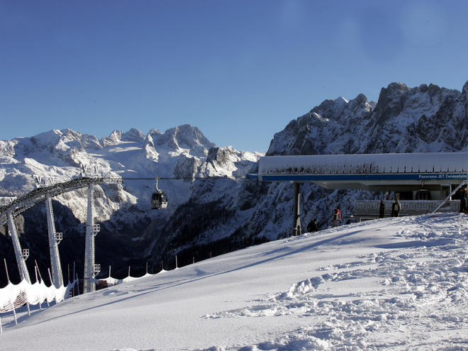 Panorama-Jet - Skiregion Dachstein West