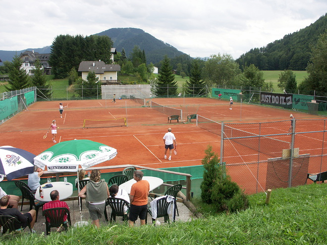 Tennis court in Faistenau
