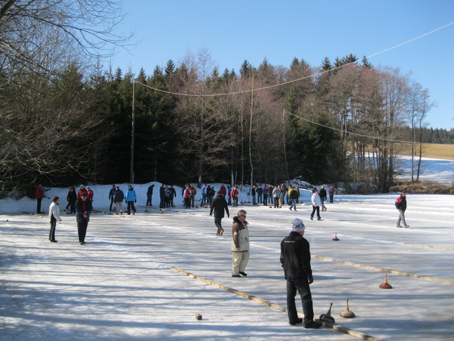 Curling at the Joslbauernteich
