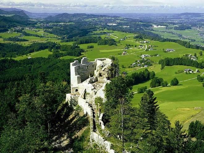 Wartenfels ruin and Schober peak