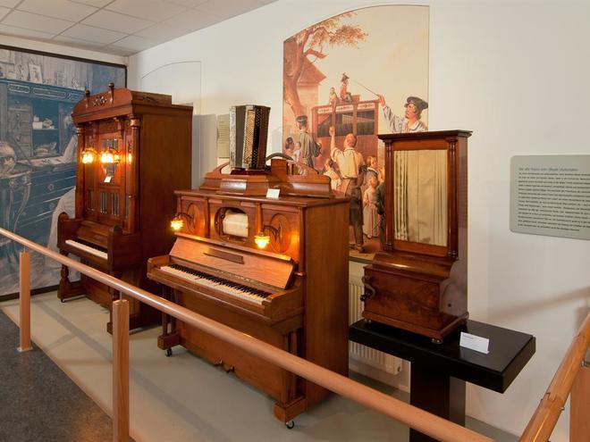 Führung im Museum Mechanische Klangfabrik