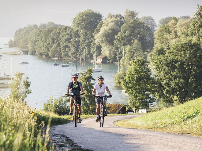 Car-free cycling day around Lake Attersee