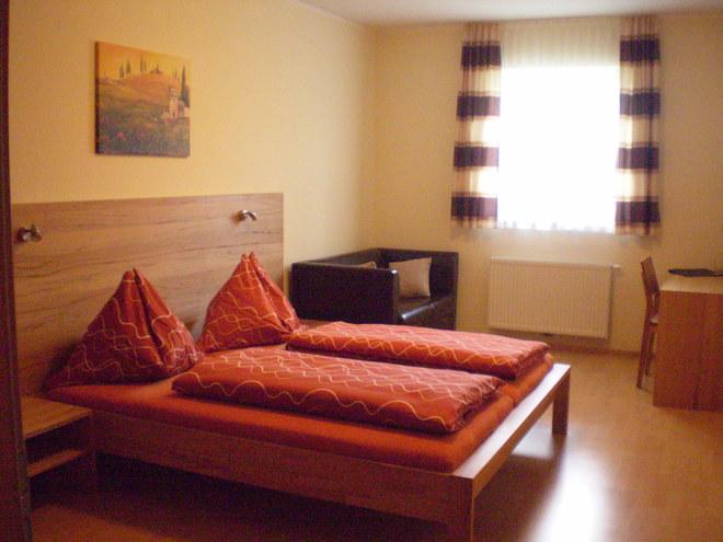 Gasthaus-Hotel zur Feldschlange