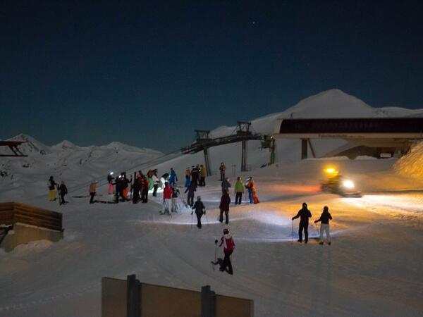 Moonlight Skiing & Dinner
