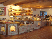Oberhinteregger´s farm shop open