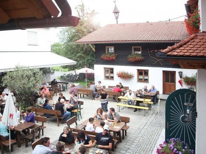 Mostheuriger Möseneder-Pramendorfer