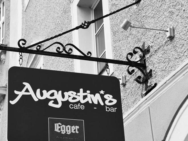 Augustin´s Cafe Bar