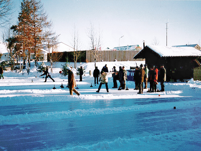 Ice Curling on lake Kommuneteich