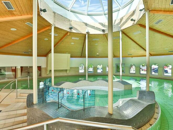 OptimaMed Gesundheitsresort Bad Wimsbach - Hallenbad & Sauna