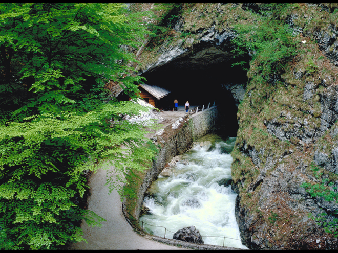 Koppenbrüllerhöhle bei Obertraun