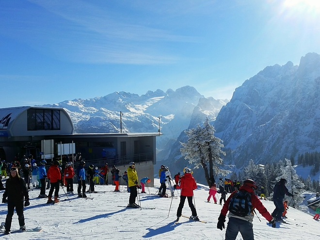 SKISCHOOL DACHSTEIN WEST GOSAU