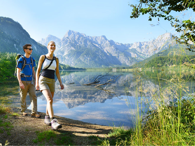 ENJOYMENT ALONG THE ALM-RIVER - 52 kilometres of hiking from the 'Almspitz' to the lake Almsee