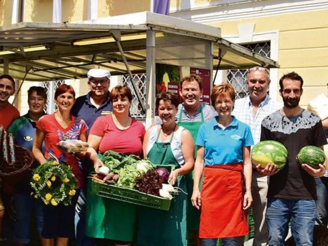 Bauern- und Wochenmarkt