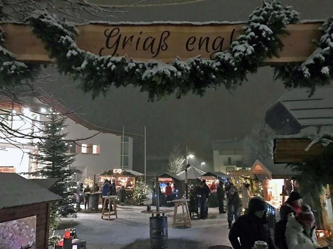 Christmas market for charity reason