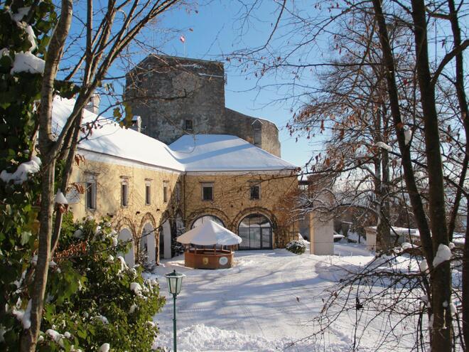 Burg Kreuzen - Schatz.Kammer - Urlaub finden auf Burg Kreuzen