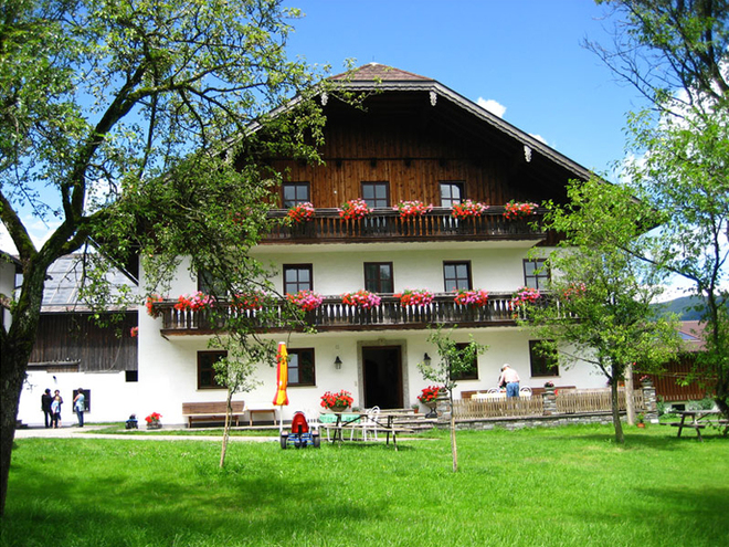 Seepension & Appartment Camping Nussbaumer