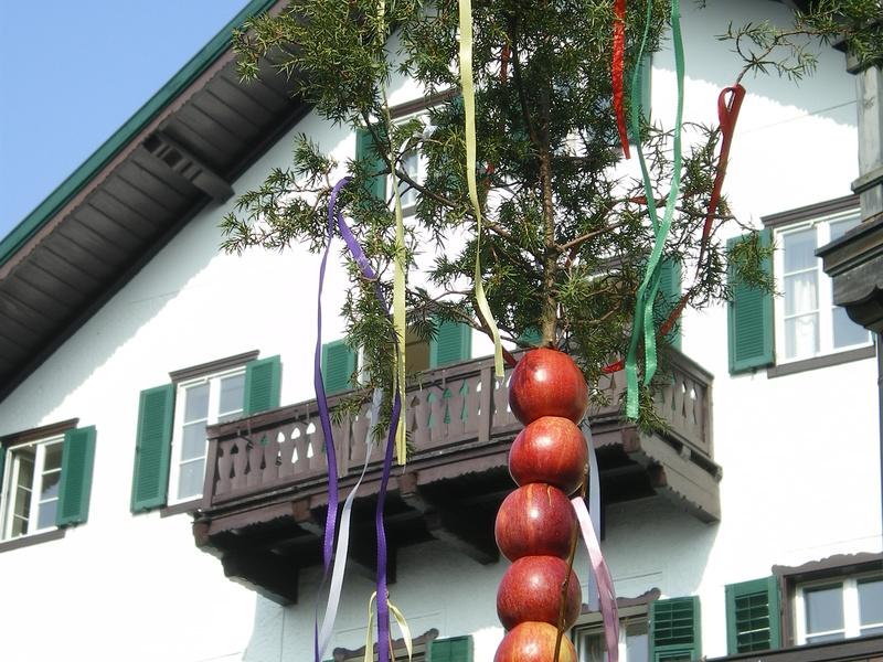 Palmwürstlessen in Strobl