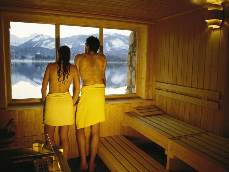 Finnische Sauna mit Ausblick auf den Wolfgangsee