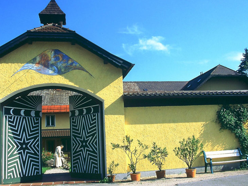 Klosterführung durch Kirche, Kräutergarten und Likörkellerei