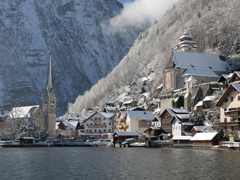 Auch im Winter hat man eine wunderschöne Aussicht auf den Hallstättersee.