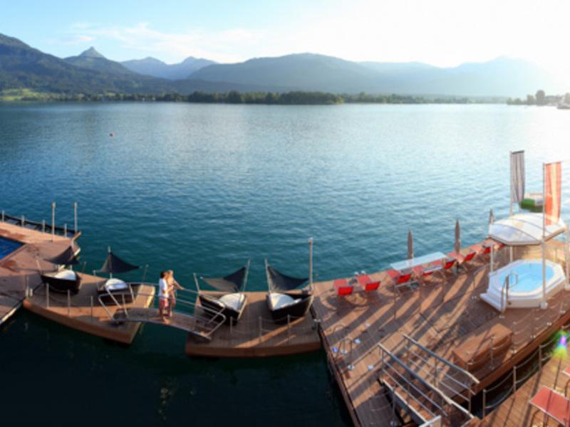 1500 m2 Spa im See mit ganzjährig geheiztem Seebad 30°C und schwimmendem Whirlpool