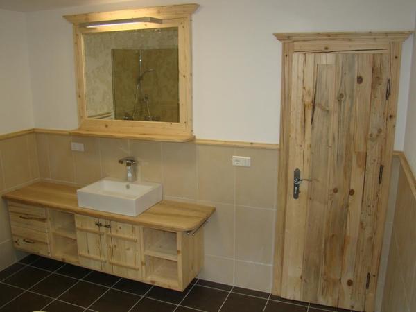 Badezimmer mit Altholz massiv