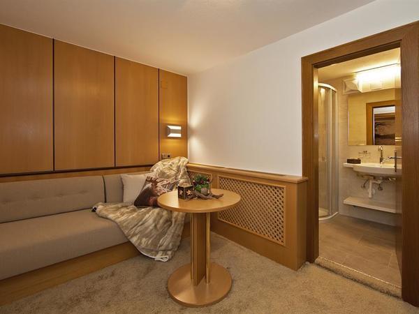Living/extra sleeping room