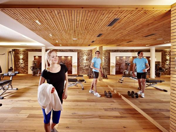 Fitnessraum im Spa Hotel Berghof Hintertux