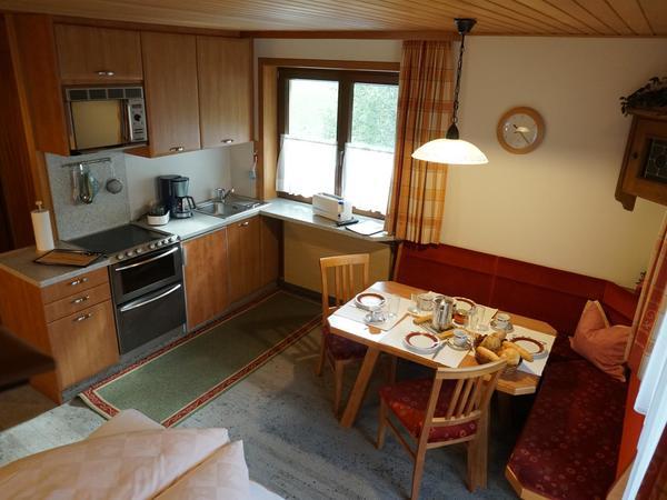 Wohn-Schlaf-Küche mit Klappbett