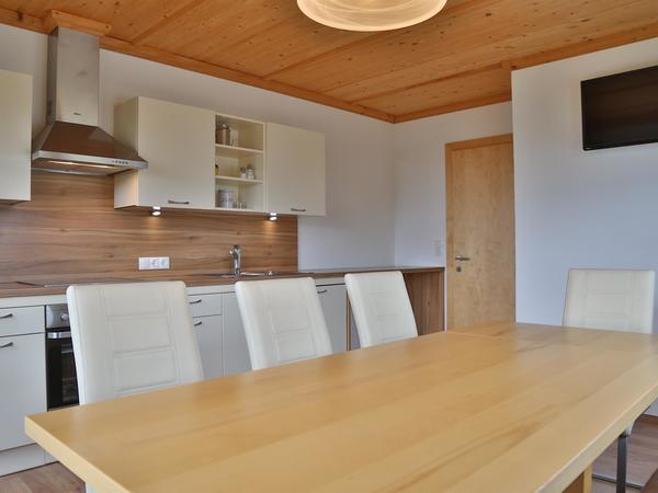 A Küche mit Block zu Tür