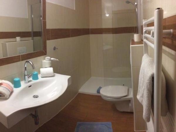 Badezimmer von Zimmer 5
