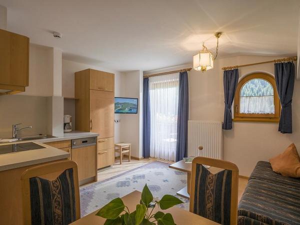 Wohn-Küche mit Schlafsofa FamZi Tulpe
