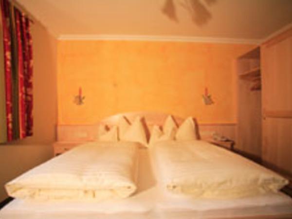Haus Tirol Schlafzimmer1