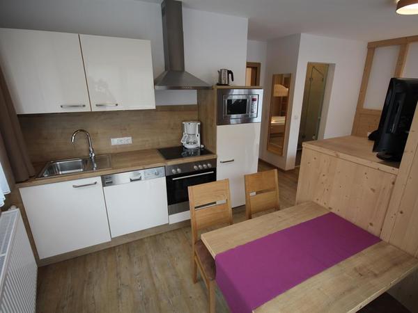 Küchenblock und Wohnbereich