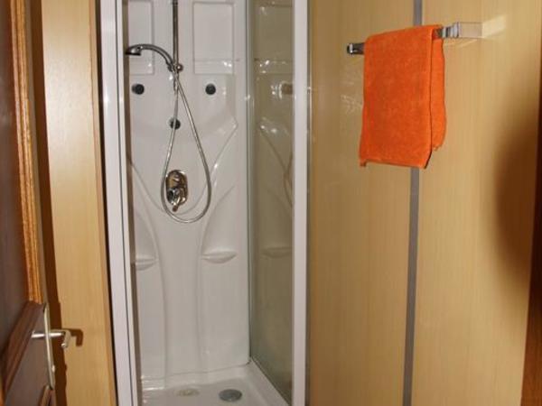 Dusche WC Zimmer 1