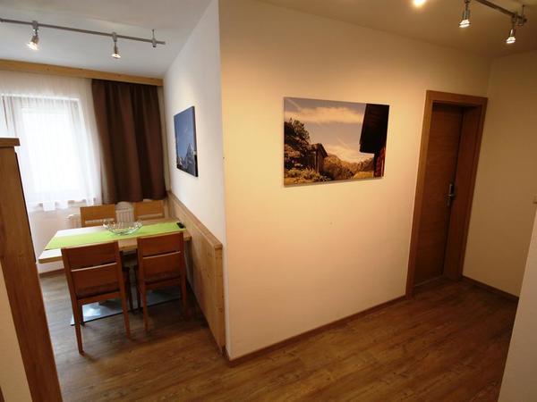 Wohnküche und Vorraum