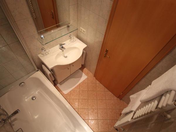 Familienzimmer Classic - Badezimmer