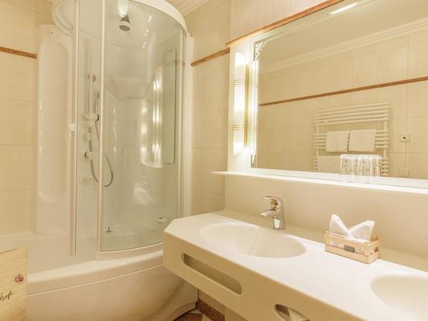 Badezimmer Einzelzimmer De Luxe
