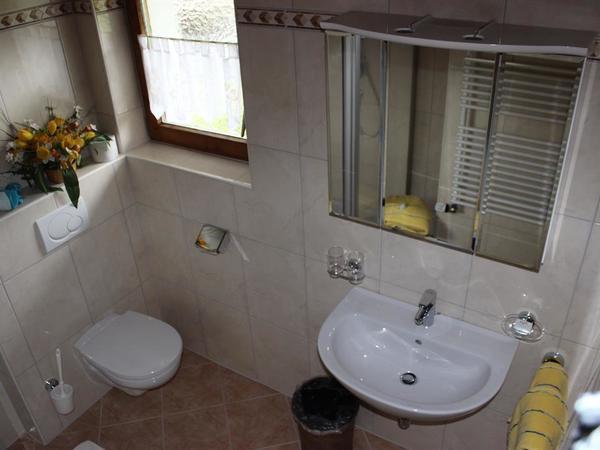 großes Badezimmer für EZ Nr. 4