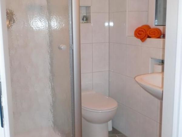 Dusche WC zu Zimmer 3
