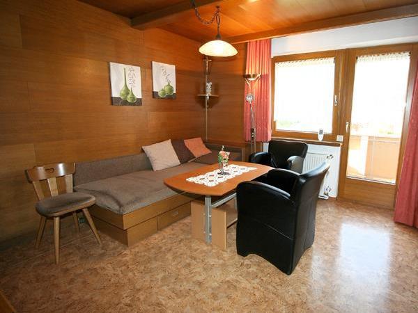 Wohnzimmer 02