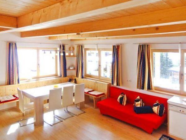 Wohn- und Essbereich im Ferienhaus Hotter