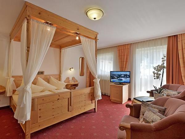 Four-poster bed hotel Glockenstuhl in Gerlos