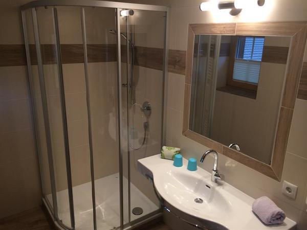 Zimmer 10 Badezimmer